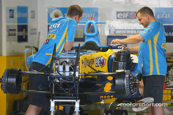 Renault F1 R26 is prepared for the weekend