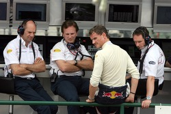 Chief technical officer Adrian Newey, sporting director Christian Horner, David Coulthard and chief engineer Paul Monaghan