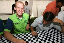Jorg Bergmeister plays tic-tac-toe