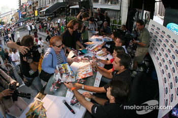 Ford Racing Festival on Crescent street: drivers sign autograph sessions