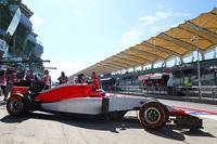 Roberto Merhi, Manor Marussia F1 Team leaves the pits