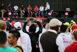 Daniel Ricciardo, Red Bull Racing and Lewis Hamilton and Nico Rosberg, Mercedes AMG F1 and Sebastian Vettel and Kimi Raikkonen, Ferrari and Niki Lauda, Mercedes Non-Executive Chairman and Bernie Ecclestone