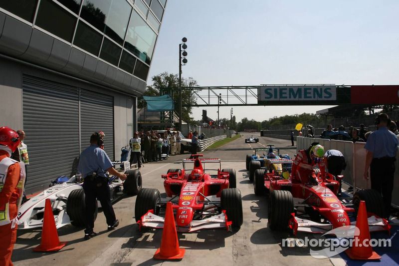 Nick Heidfeld, Michael Schumacher and Felipe Massa in Parc Fermé