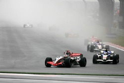 Start: Kimi Raikkonen and Jenson Button