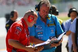 Derek Rogers, Renault F1 logistics coordinator