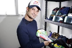 Vitantonio Liuzzi with his racing shoes in new design
