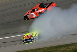 Kyle Busch spins out next to Jeff Burton