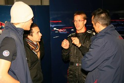 Sébastien Bourdais talks with Nicloas Todt and Scott Speed