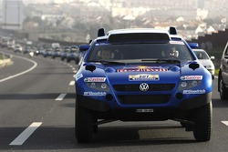 Giniel de Villiers and Dirk von Zitzewitz leads the Volkswagen Motorsport team as they arrive in Lisbon