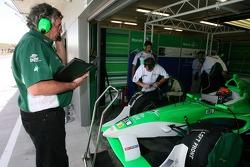 Gary Anderson, A1Team Ireland race engineer