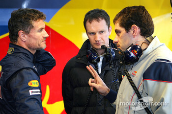 David Coulthard, chief engineer Paul Monaghan and Guillaume Roquelien