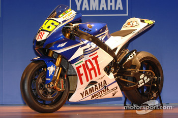 The Fiat Yamaha Team YZR-M1 800cc