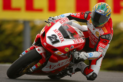 2006 World Champion Troy Bayliss in action