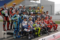 Photoshoot: the 2007 MotoGP riders pose