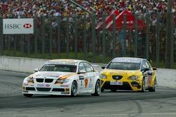 Felix Porteiro, BMW Team Italy-Spain, BMW 320si WTCC and Yvan Muller, SEAT Sport, Seat Leon