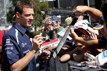 Alexander Wurz, Williams F1 Team, signs autographs