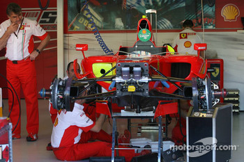 Scuderia Ferrari, F2007, garage