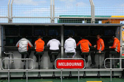 Spyker F1 Team, Pit Gantry