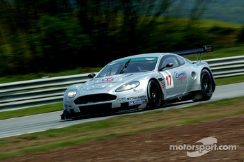 #17 Barwell Motorsport Aston Martin DBR9: Jonny Kane, Jonathan Cocker