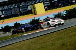 #16 JMB Racing Maserati MC 12 GT1: Joe Macari, Ben Aucott, #97 BMS Scuderia Italia Porsche 997 GT3 RSR: Emmanuel Collard, Matteo Malucelli