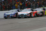Start: David Ragan and Carl Edwards lead the field