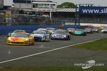 Start: #5 Carsport Holland Corvette C6R: Jean-Denis Deletraz, Mike Hezemans leads the field
