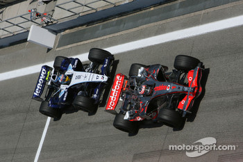 Fernando Alonso, McLaren Mercedes, MP4-22 and Alexander Wurz, Williams F1 Team, FW29