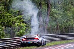 #50 Aston Martin Test Centre Aston Martin GT12: Chris Harris, Shinichi Katsura, Kazunori Yamauchi, Andreas Gülden crashes heavily at Bergwerk