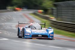 日产车队21号日产GT-R LM NISMO:松田次生、卢卡斯·奥多捏斯、马克·舒尔茨斯基