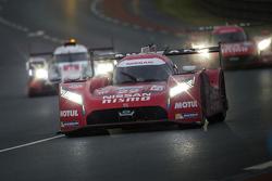 日产车队22号日产GT-R LM NISMO:哈里·廷克内尔、阿历克斯·邦科姆、迈克尔·克鲁姆