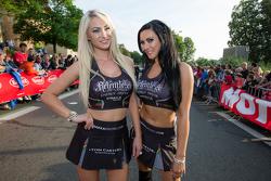 The charming Strakka Racing girls