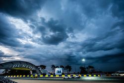 #53 Riley Motorsports Dodge Viper GTS-R: Ben Keating, Jeroen Bleekemolen, Marc Miller, #8 Audi Sport Team Joest Audi R18 e-tron quattro: Lucas di Grassi, Loic Duval, Oliver Jarvis