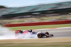 Carlos Sainz Jr., Scuderia Toro Rosso STR10 blokkeert tijdens het remmen