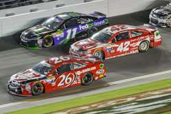 Denny Hamlin, Joe Gibbs Racing Toyota, Kyle Larson, Ganassi Racing Chevrolet and Jeb Burton, BK Racing Toyota