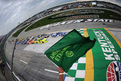 Start: Tyler Reddick, Brad Keselowski Racing Ford leads