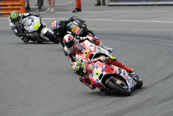 Andrea Iannone, Ducati Team and Yonny Hernandez, Pramac Racing Ducati and Bradley Smith, Tech 3 Yamaha and Cal Crutchlow, Team LCR Honda
