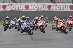 Jorge Lorenzo, Yamaha Factory Racing leads