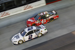 Brad Keselowski, Team Penske Ford and Kurt Busch, Stewart-Haas Racing Chevrolet