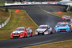 Todd Kelly, Nissan Motorsport and David Wall, Garry Rogers Motorsports Volvo crash