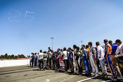 Drivers honor Justin Wilson