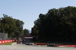 Johnny Cecotto, Trident leads Raffaele Marciello, Trident