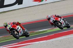 MotoGP 2015 Motogp-san-marino-gp-2015-andrea-iannone-and-andre-dovizioso-ducati-team