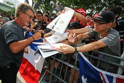 Eddie Jordan, BBC signeert handtekeningen voor de fans