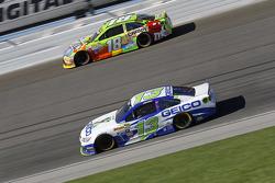 Casey Mears, Germain Racing Chevrolet and Kyle Busch, Joe Gibbs Racing Toyota