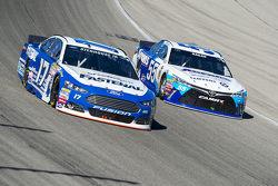 Ricky Stenhouse Jr., Roush Fenway Racing Ford and David Ragan, Michael Waltrip Racing Toyota
