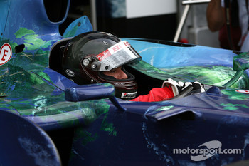 Rubens Barrichello, Honda Racing F1 Team wearing a new helmet design of JMD with a special thermopainting