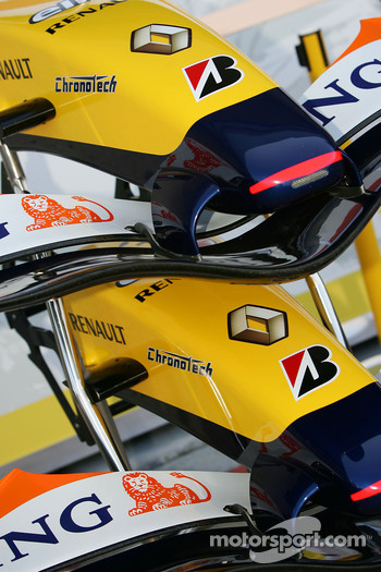 Renault F1 Team, R27, front wings