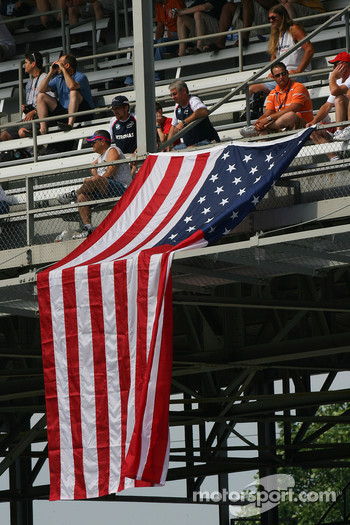 USA fans and flag