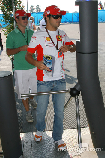 Felipe Massa, Scuderia Ferrari and his brother