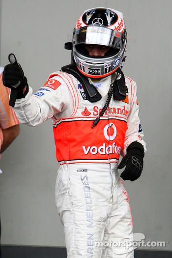 Second, Fernando Alonso, McLaren Mercedes, MP4-22